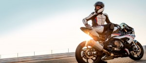 s1000rr-contract-Content-Page_w1600_h700.jpg.asset.1552626239740